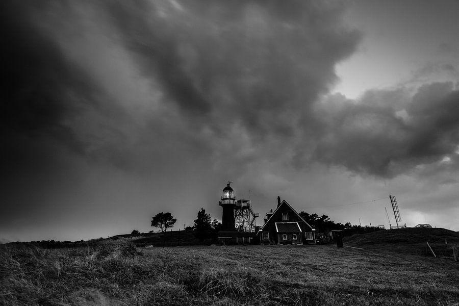 Dark skies over Vlieland van robert wierenga