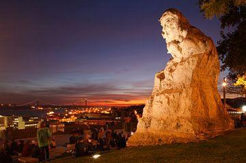 Lissabon : Uitzicht vanaf de Miradouro de Santa Catania van Torsten Krüger
