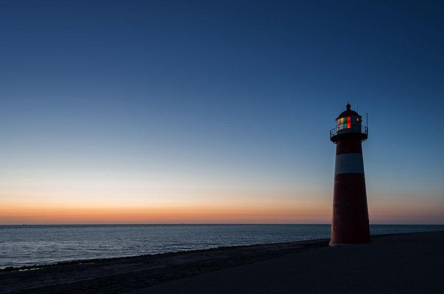 the lighthouse van Aline van Weert