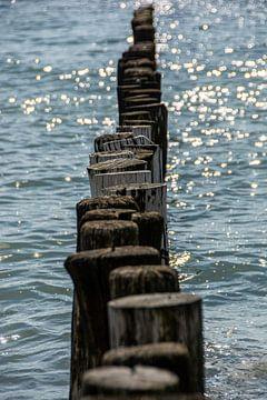 Paalhoofden aan de kust bij Zoutelande van Roland de Zeeuw fotografie
