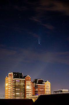 La comète Neowise au-dessus de l'Oosterheem de Zoetermeer