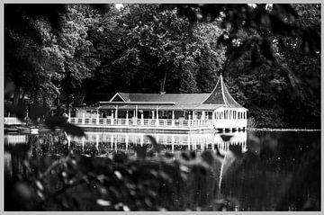 Het paviljoen bij het meer van Norbert Sülzner