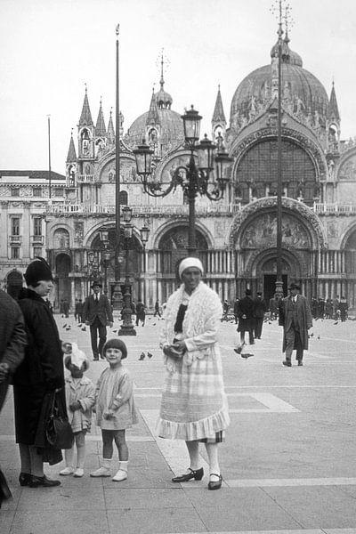 1910 - Venetië San Marco plein van Timeview Vintage Images