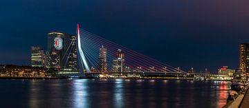 Feyenoord projectie op 'De Rotterdam' panorama sur Midi010 Fotografie