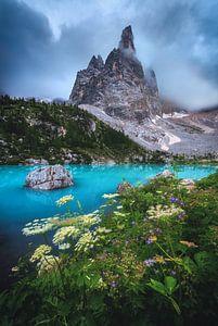 Lago di Sorapis in de Dolomieten van Jean Claude Castor