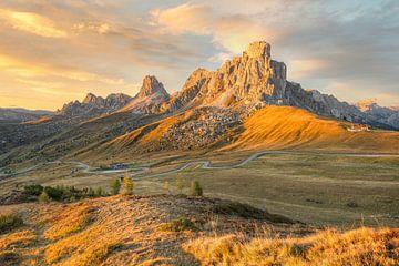 Monte Nuvolau aan de Passo di Giau in de Dolomieten van Michael Valjak