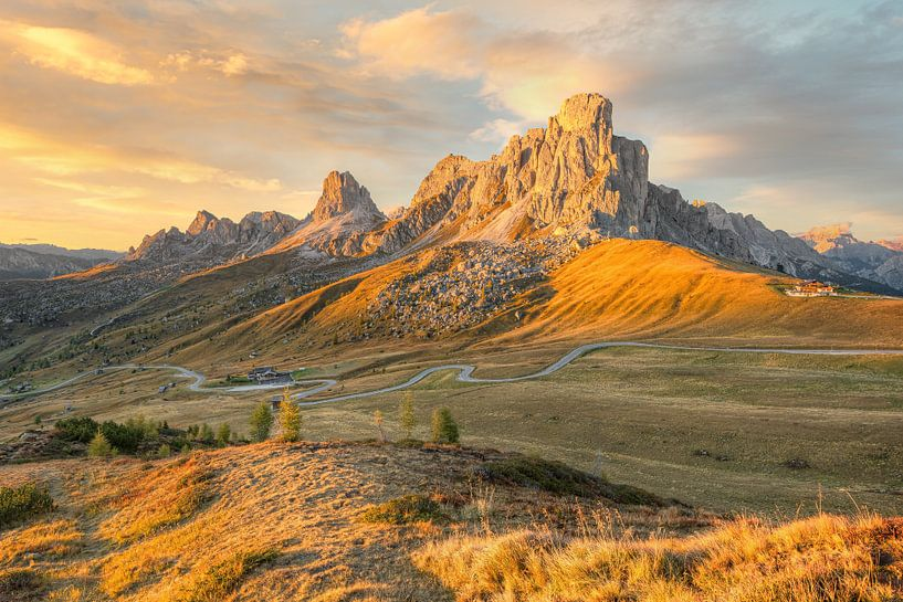 Monte Nuvolau am Passo di Giau in den Dolomiten von Michael Valjak