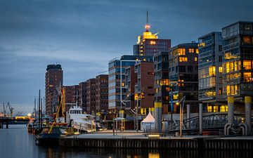 Hamburg Hafencity Panorama in de avonduren