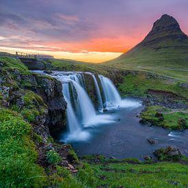 Kirkjufell en Kirkjufellsfoss, IJsland van Joep de Groot
