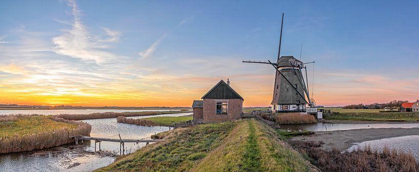 Zonsondergang, molen t Noorden op Texel / Sunset, Mill the North, Texel van Justin Sinner Pictures ( Fotograaf op Texel)
