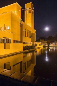 Avondfoto gemeentehuis Hilversum