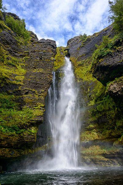 Waterval in IJsland van Sjoerd van der Wal