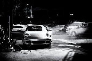 Porsche 911 turbo Cabrio type 997.1 in speciaal zwart-wit van aRi F. Huber