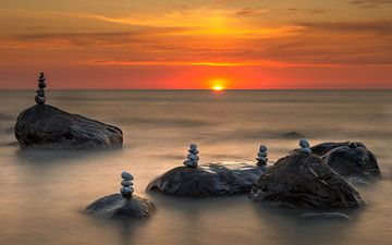 Avondzon boven de Oostzee van Ronny Rohloff