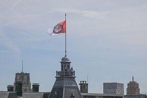 Feyenoord vlag op het Stadhuis tijdens de huldiging op de Coolsingel