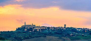 Pienza gezien vanuit Monticchiello, Toscane, Italië van Henk Meijer Photography