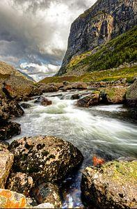 Noorse rivier HDR