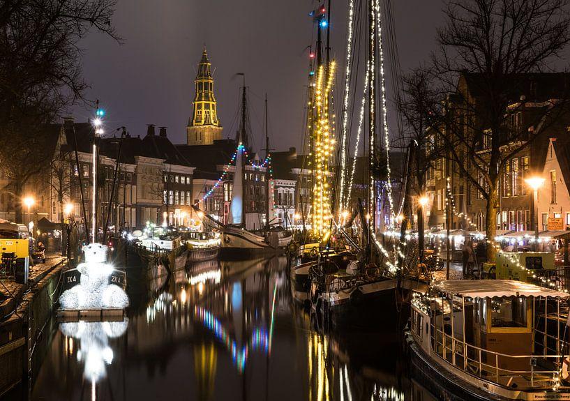 Groningen bij nacht van Steven Groothuismink