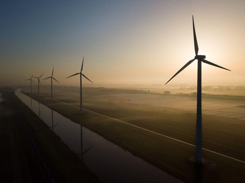 Windmolens in de ochtend van K.C. Statia