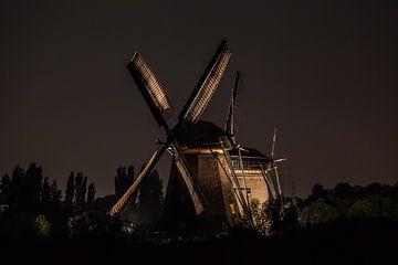 Verlichte molens Kinderdijk #5 van John Ouwens