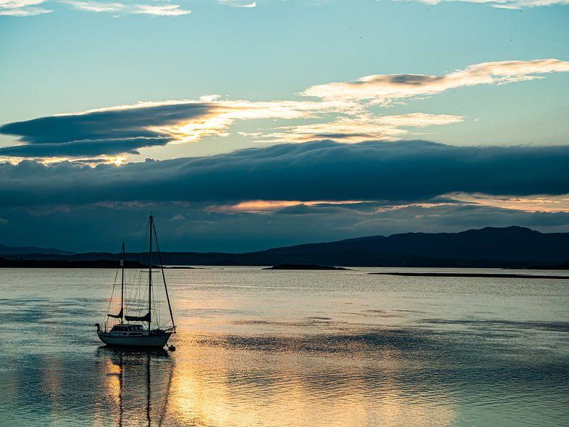 Het Gouden Uurtje in Loch Etive van Jan Enthoven Fotografie