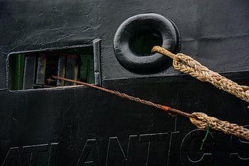 Rohe Schiffe im Hafen von IJmuiden. von scheepskijkerhavenfotografie