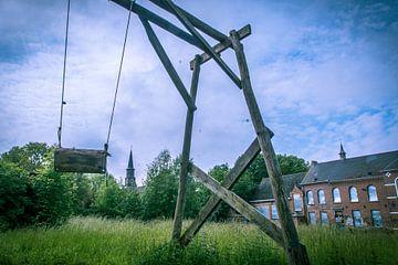 Speeltuin in het verlaten Belgische dorp Doel  van Bart Houx