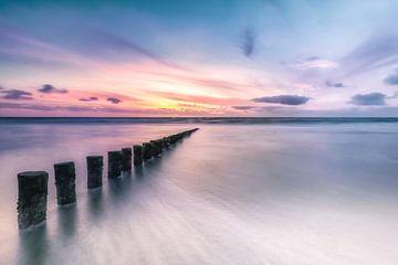 Palen in de Noordzee van Niels Barto
