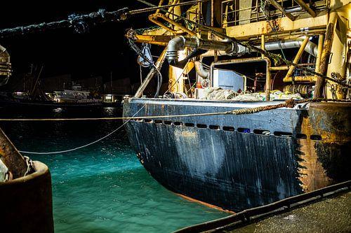 Achtersteven van een visserschip in Scheveningen