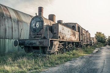 Verlassene Dampflokomotive von Art By Dominic