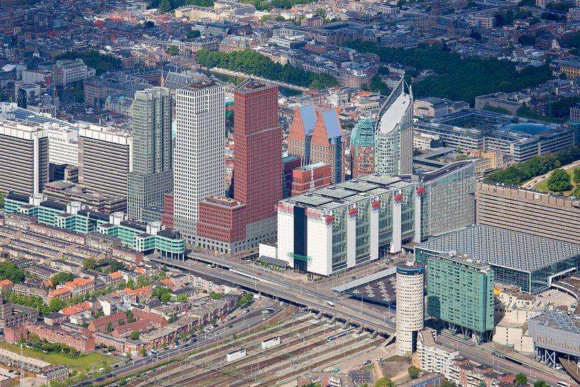Luchtfoto Den Haag Ministeries gebied van Anton de Zeeuw