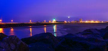 Haven Oostende tijdens Blauwe Uur II van Colijn Verkempinck