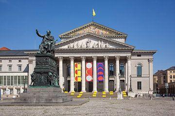 Bayerisches Nationaltheater , Staatsoper,Denkmal Max-Joseph I,  Max-Joseph-Platz, München, Oberbayer von Torsten Krüger