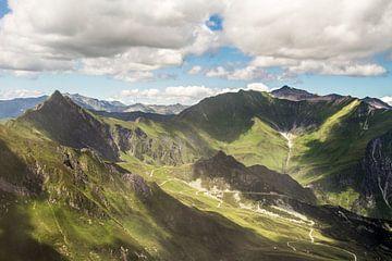Wunderschöner Panoramablick von der Spitze des Hintertuxer Gletschers aus. von Debbie Kanders