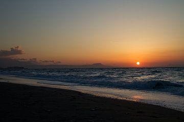 Zonsondergang Kreta van Ronald Bruijniks