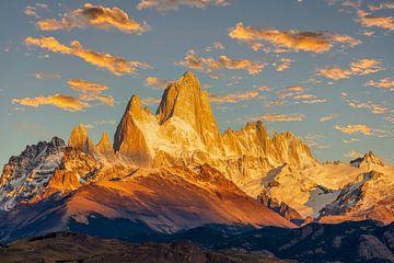 Zonsopgang bij Fitz Roy, Patagonië van Dieter Meyrl