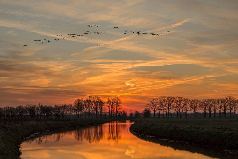 Rivier de Leygraaf zonsopkomst (Sunrise) van Jos Dortmans
