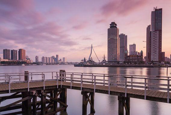 Sunrise in Rotterdam van Ilya Korzelius