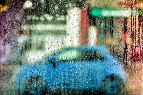 Waterdrops blurring my view van