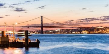 Ponte 25 de Abril à Lisbonne sur Werner Dieterich