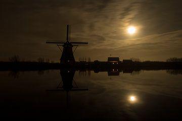 Windmühlen in Kinderdijk kurz nach Sonnenuntergang von Jeroen Stel