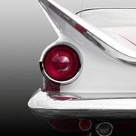 Voiture classique américaine 1959 Nageoire arrière sur Beate Gube