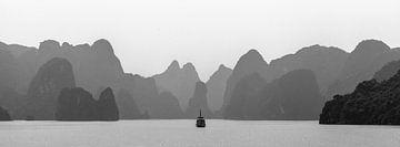 Ha Long Bay Silhouette van de  krijtbergen van