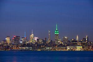 Midtown Manhattan Skyline in New York met het Empire State Building in de avond