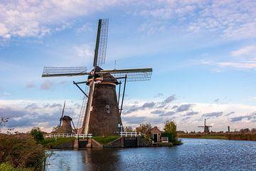 Windmühlen in der Nähe von Kinderdijk (Holland) von Adri Vollenhouw