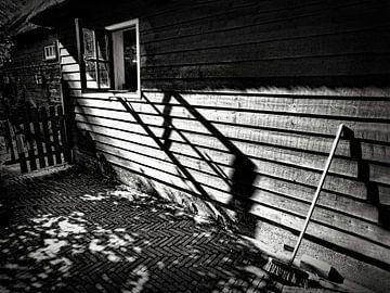 Einsamer Besen von Henk Egbertzen