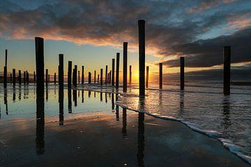 Strand Petten bij zonsondergang van FotoBob