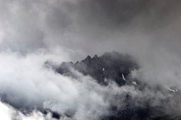 Des pics dans les nuages sur Ben Verhoeven