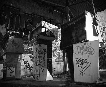 abandoned gasstation sur Sander Wiessner
