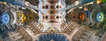 Kleurrijk Sagrada Familia van Bas Bakema